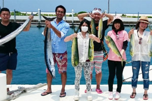 沖縄釣り体験ならパヤオ、サビキ釣り、トローリング